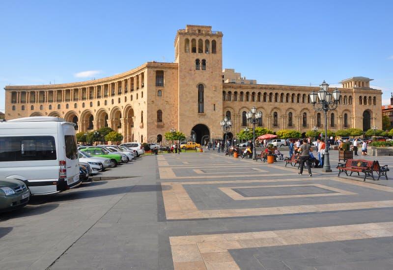 YEREVAN, ARMENIA - 12 OTTOBRE 2016: Costruzione sul quadrato della Repubblica fotografia stock