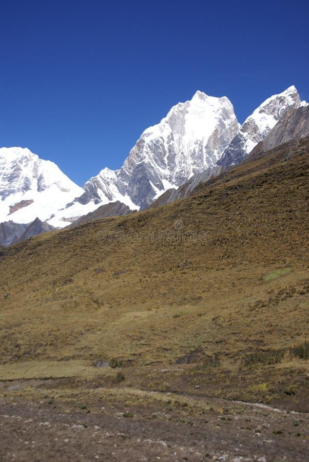 yerupaja υψηλών βουνών των Άνδεων στοκ φωτογραφίες με δικαίωμα ελεύθερης χρήσης
