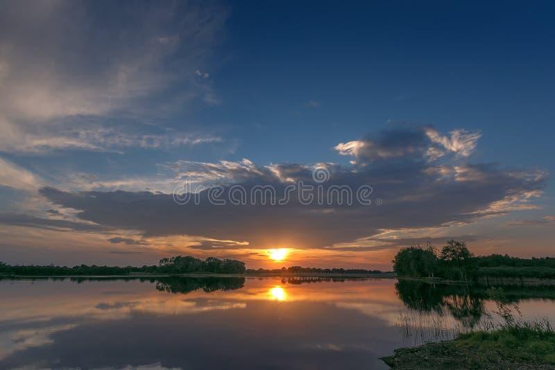 Yesterday& x27 ; coucher du soleil de s photo libre de droits