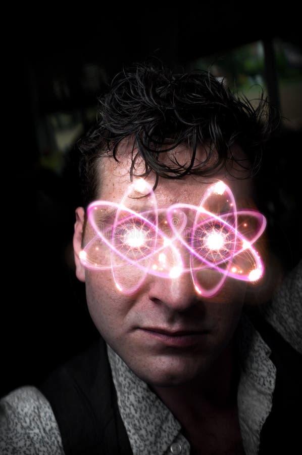 Yeux atomiques de portrait dramatique photo libre de droits
