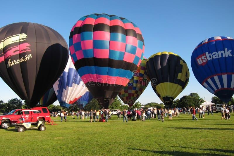 Yeux chauds de ballon à air au festival de cieux image libre de droits