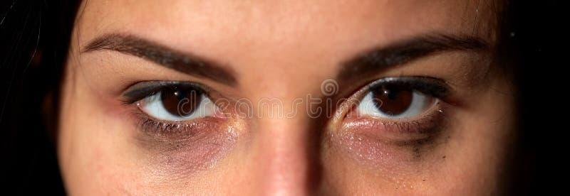 Yeux de femme pleurante malheureuse photo libre de droits