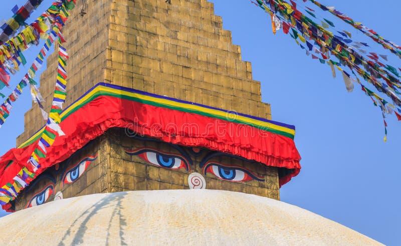 Yeux de sagesse, temple de Bodhnath, Népal photos libres de droits