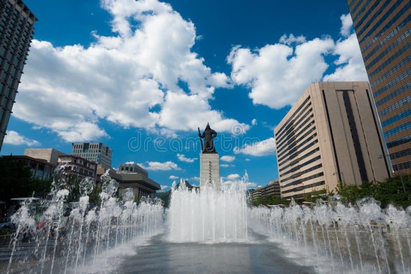 Yi Sun-Sin Statue Fountain Daytime royalty free stock photography