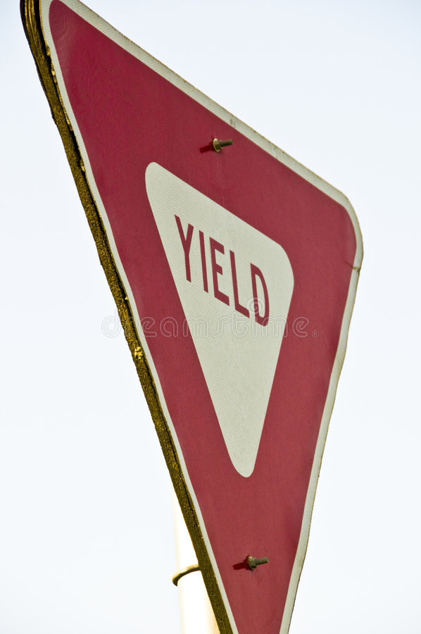 Free Yield Sign Royalty Free Stock Image - 5991446