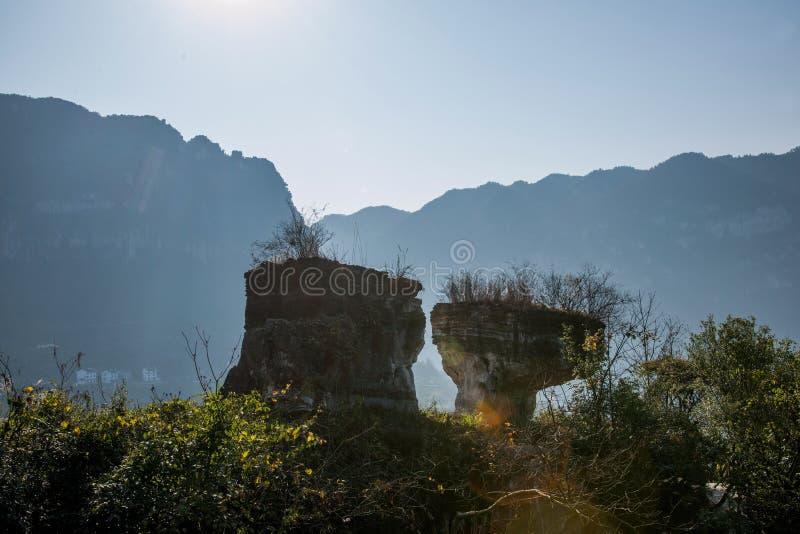 Yiling, Hubei Three Gorges do Rio Yangtzé Dengying Gap à sombra da pedra fotografia de stock royalty free