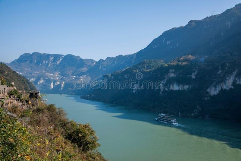 Yiling Yangtze River Three Gorges Dengying klyfta arkivbilder