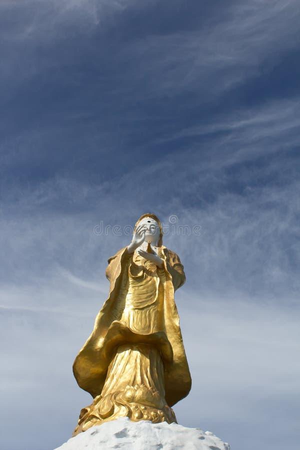 Download Yin de Guan foto de archivo. Imagen de buddha, nube, budista - 42429254