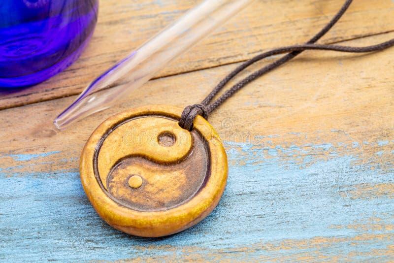Yin del Aromatherapy y colgante del yand imagen de archivo libre de regalías
