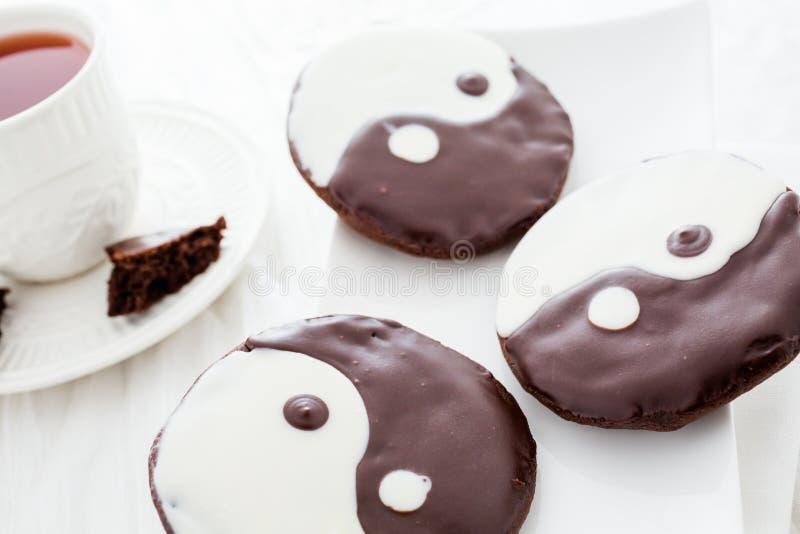 Yin i Yang ciastka zdjęcia stock