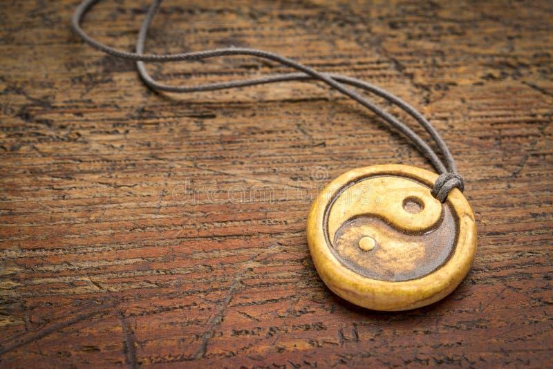 Yin y colgante de yang fotografía de archivo libre de regalías
