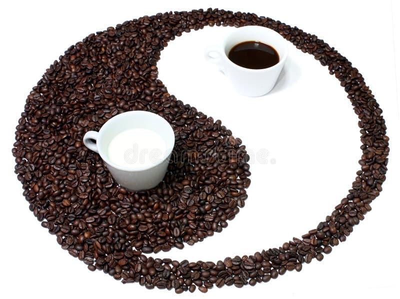 Yin Yang Kaffeeharmonie stockfotos