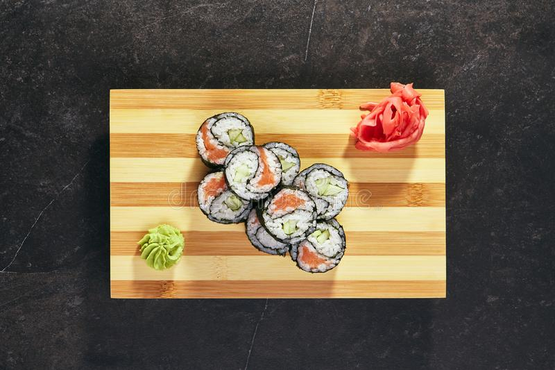 Yin Yang Maki Sushi imagenes de archivo