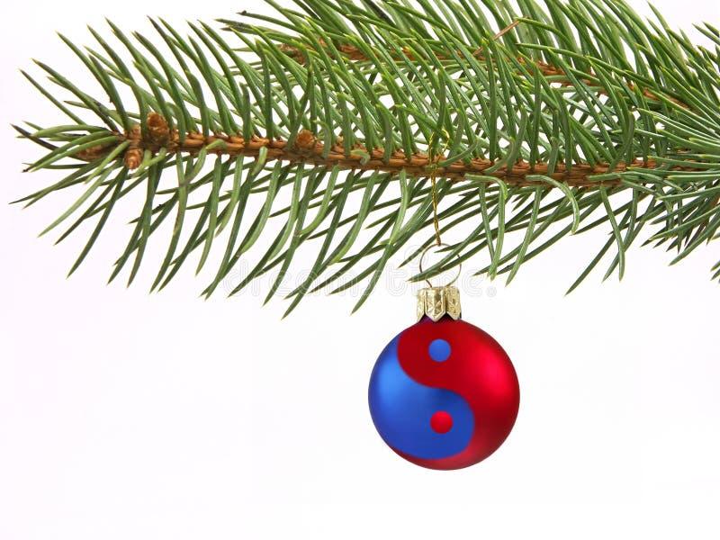 Ying-Yang-Weihnachtskugel lizenzfreie stockfotografie