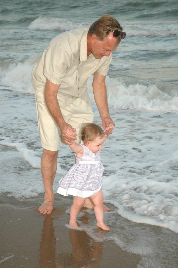 Download Yo y Grandpa foto de archivo. Imagen de learning, cubo - 1295576