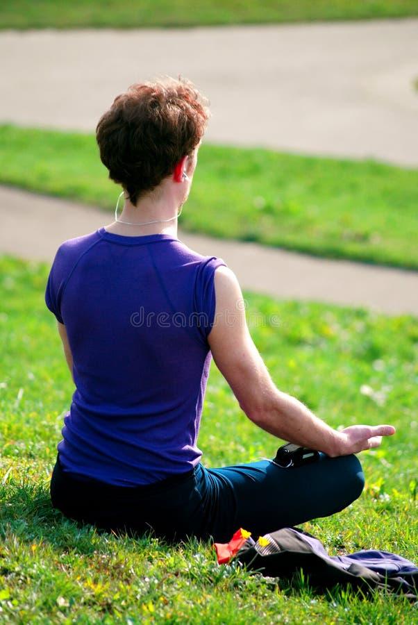 Download Yoga photo stock. Image du frais, fille, coffre, beau - 2140674