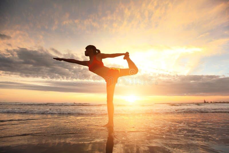yoga fotografie stock libere da diritti