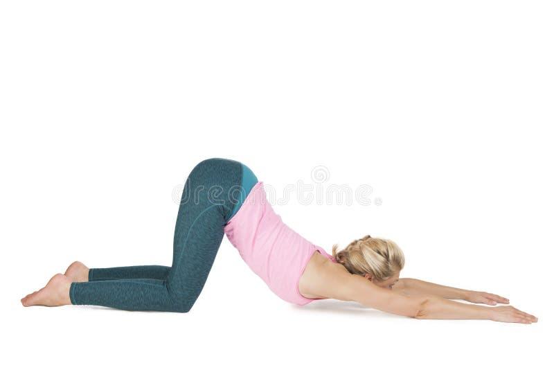 Yoga_Adho Mukha Svanasana_step_10 imagens de stock
