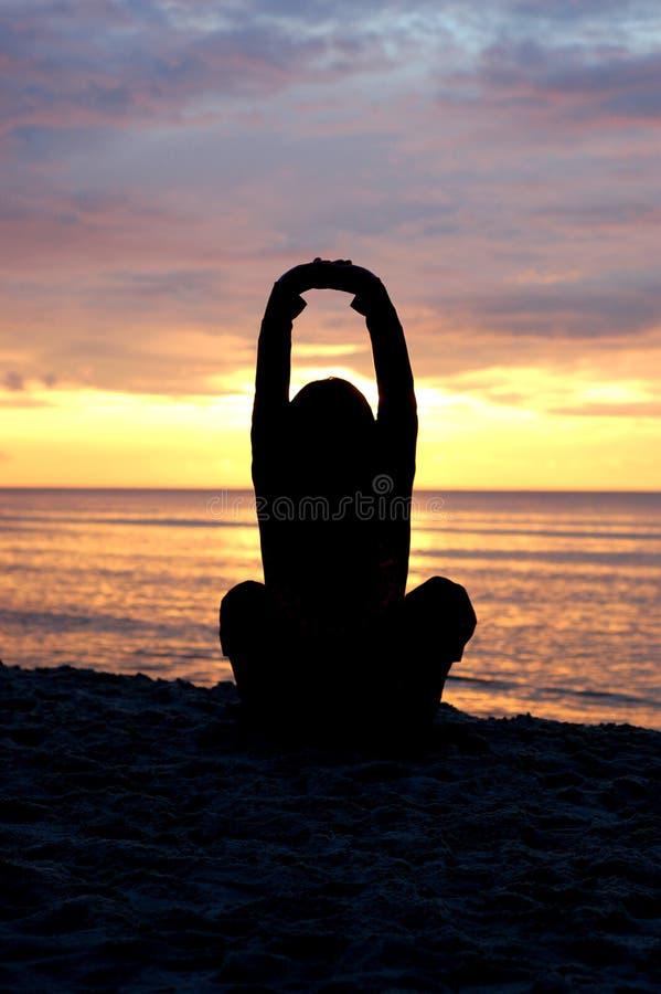 Yoga al tramonto #6 fotografia stock