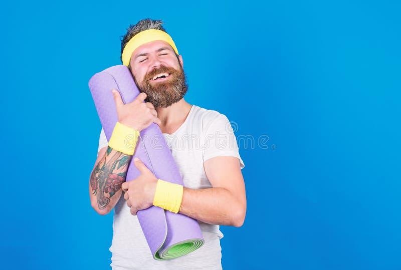 Yoga als Hobby und Sport ?bendes Yoga jeden Tag Aufenthalt in Form Athletenberufsyogatrainer motiviert f?r lizenzfreie stockfotografie