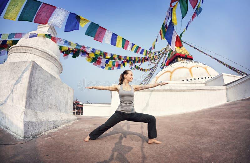 Yoga au Népal image stock