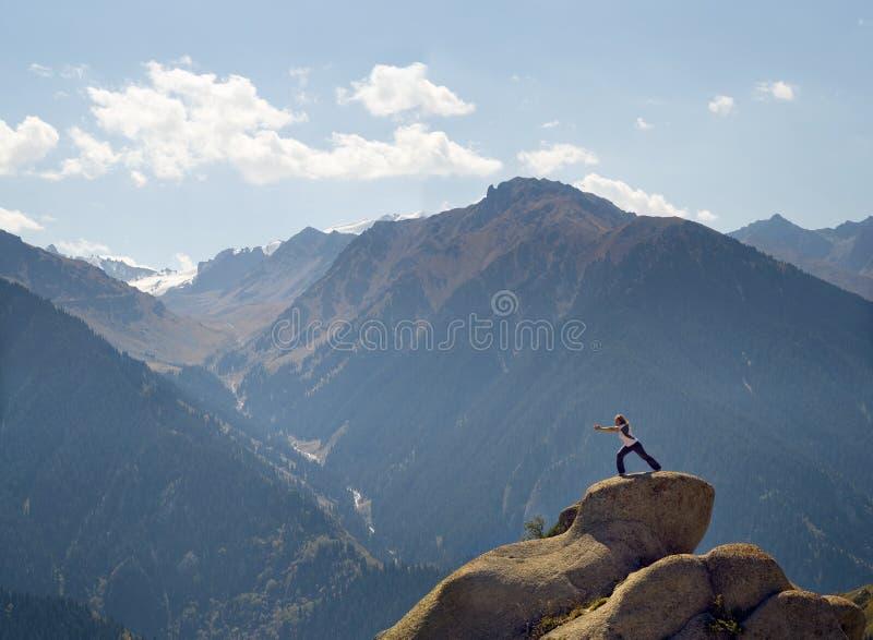 Yoga bij top stock foto