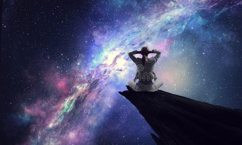 Yoga como terapia física y espiritual Técnicas mixtas fotos de archivo libres de regalías