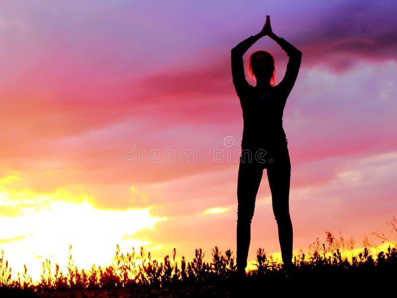 Yoga, das emotionale Konzeptkunst übt lizenzfreie stockfotografie