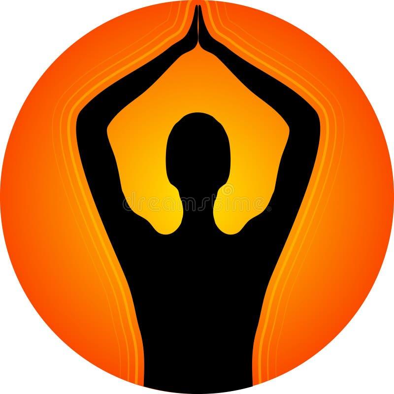 Yoga devant le coucher du soleil photographie stock libre de droits
