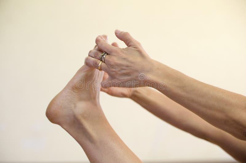 Yoga di Hasta Pada immagine stock