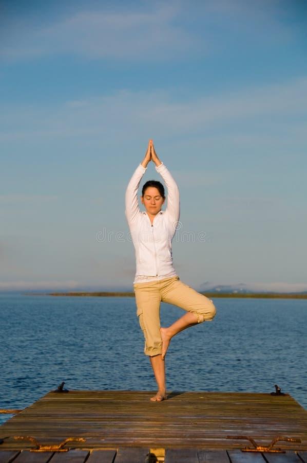 Yoga-Frau lizenzfreies stockbild
