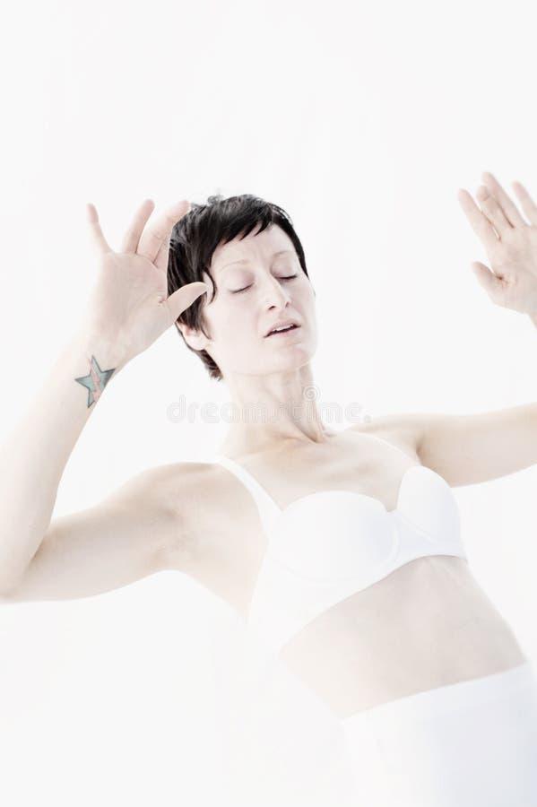 Yoga-Frauen-Morgen-Leidenschafts-Tänzer lizenzfreies stockfoto