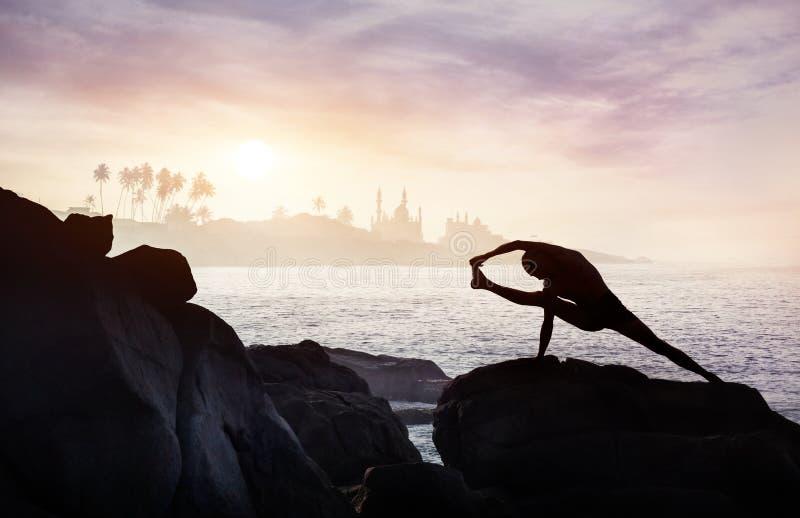 Yoga in India stock foto's