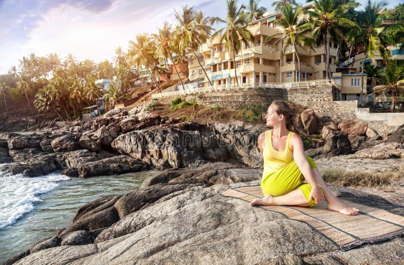 Yoga in Indien stockfoto