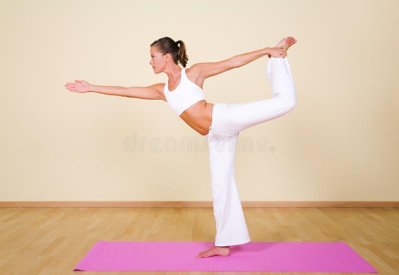 Yoga - nataraja-Asana stock foto's