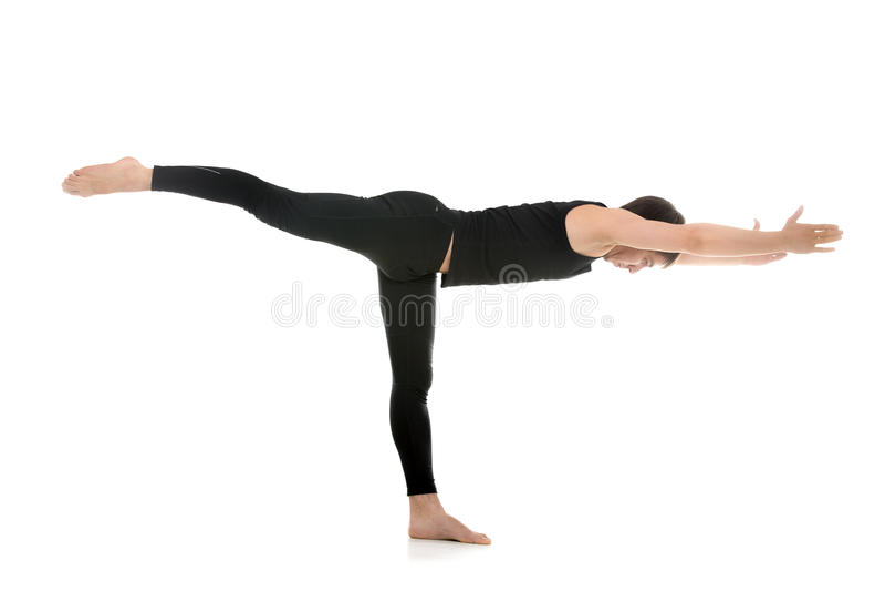 Yoga poserar krigare 3 arkivbild