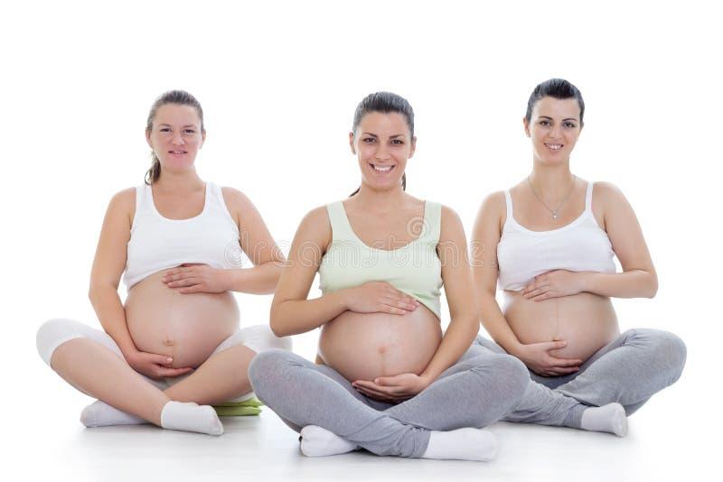 Yoga prenatal imagen de archivo