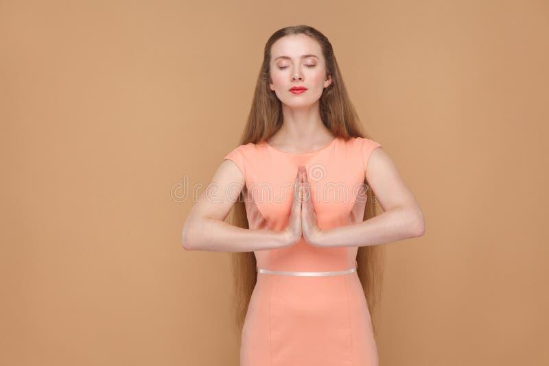 Yoga, relajación y meditación fotos de archivo