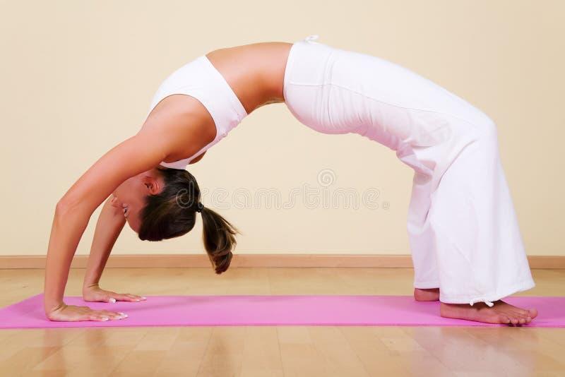Yoga - Urdhva Dhanurasana 2 photos stock