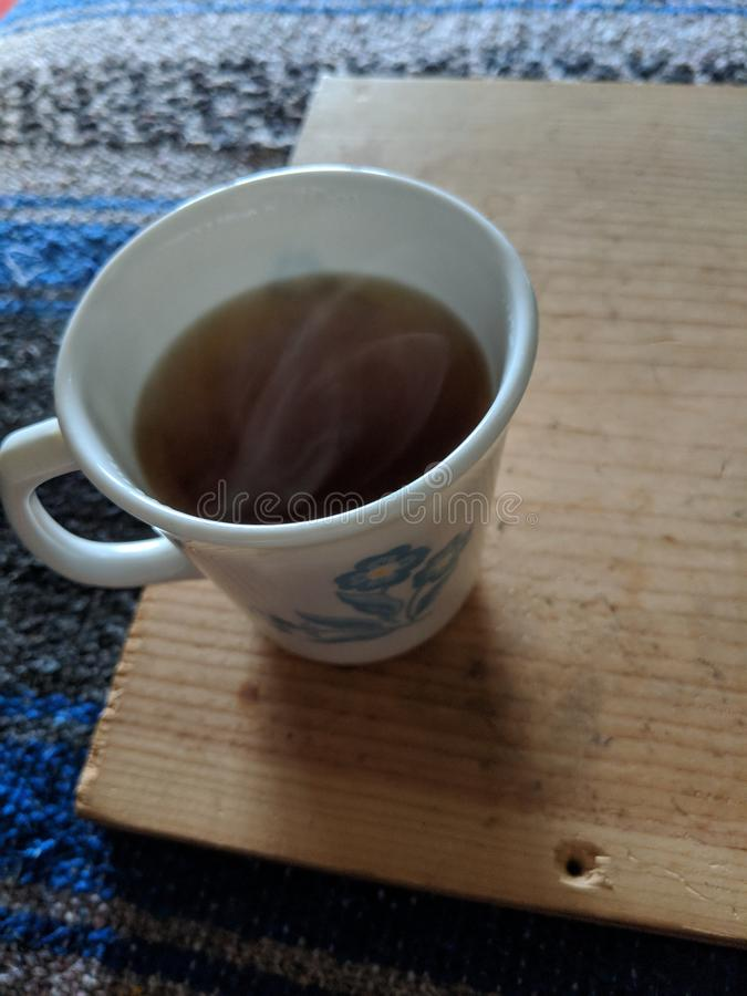 Yoga y tiempo del té imagen de archivo libre de regalías