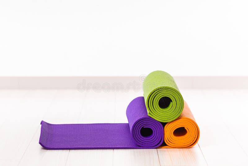 Yogamatte lizenzfreies stockfoto