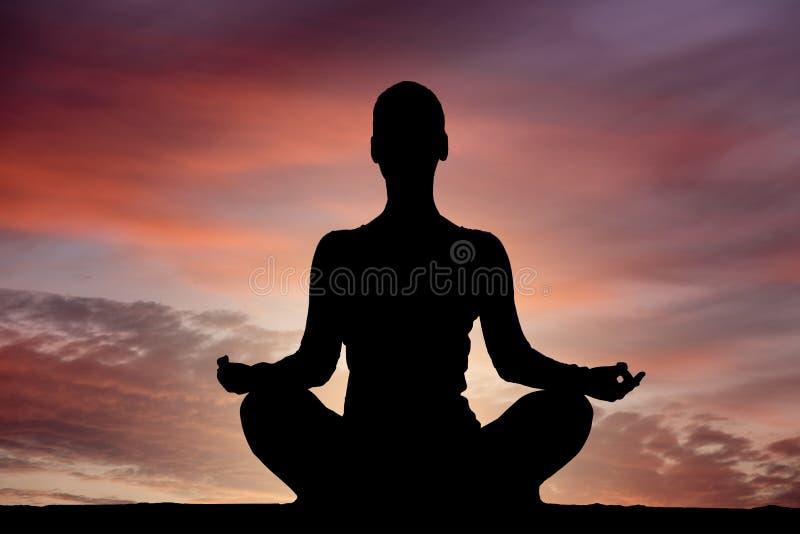 Yogaschattenbild lizenzfreies stockfoto