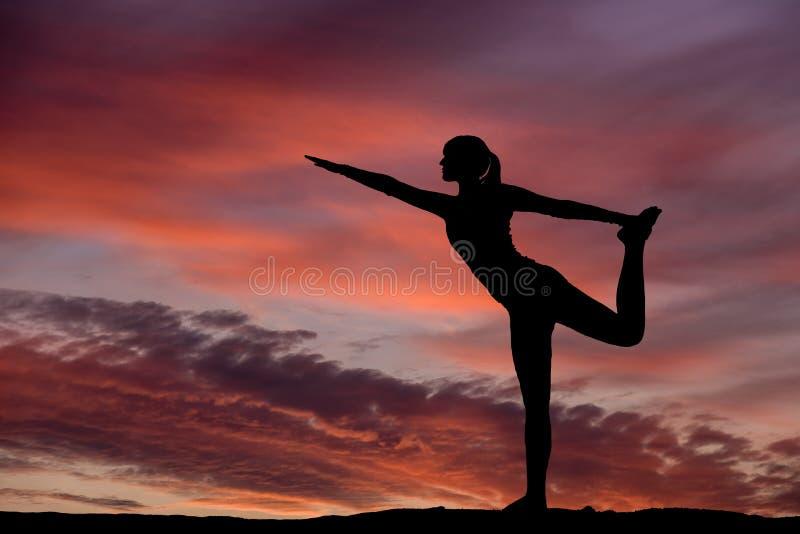 Yogaschattenbild stockbild