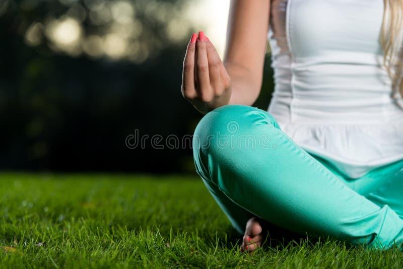 Yogastijl stock afbeeldingen