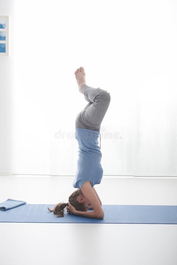 Yogatraining stockfotos