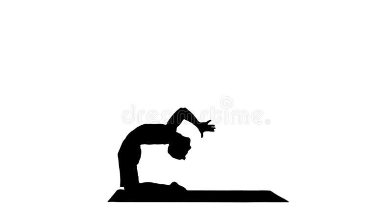 Yogi de silhouette faisant la pose de yoga de chameau illustration de vecteur