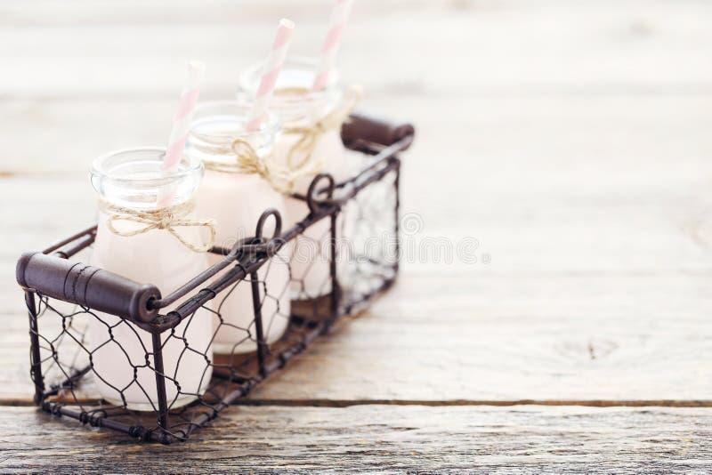 Yogur de la fresa foto de archivo