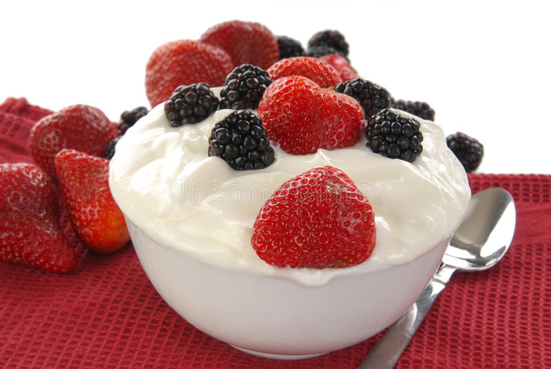 Yogurt com fruta imagem de stock royalty free