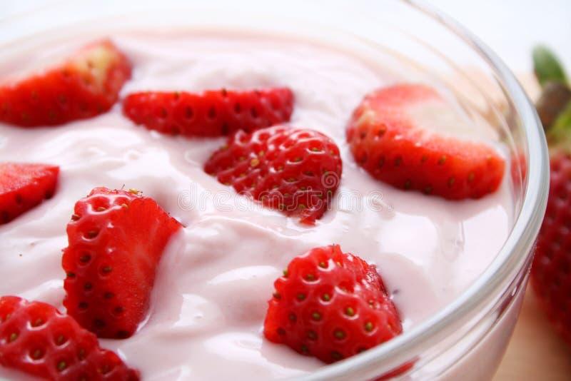 Yogurt della fragola fotografia stock