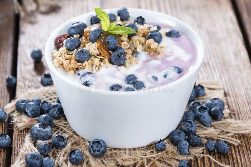 Yogurt di mirtillo casalingo fotografia stock